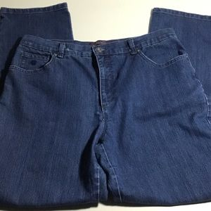 Gloria Vanderbilt Mom Jeans. Size 14